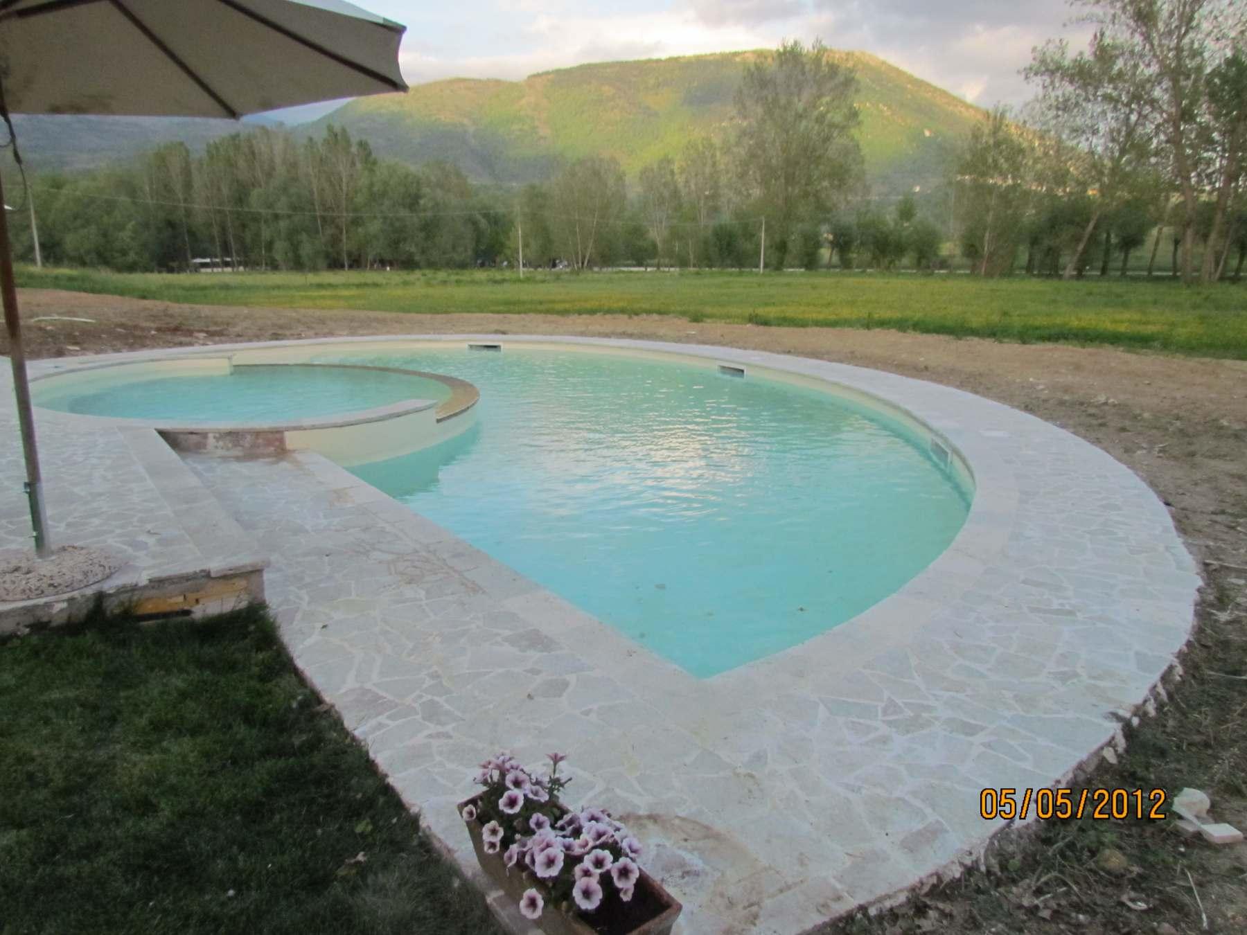 Rivestimenti per piscine e giardini gliottone marmi e for Rivestimenti per piscine